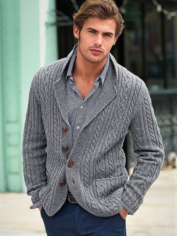 El Cárdigan hecho con lana para hombre